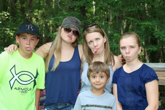 Family Funny Face Photos