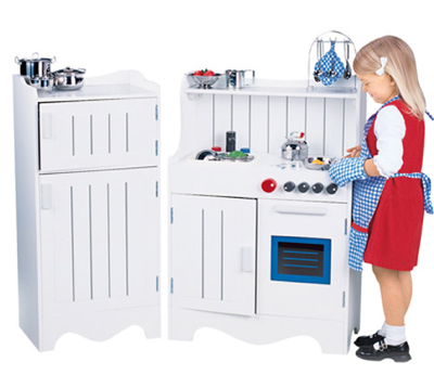 Cooking Up Holiday Fun With The Constructive Playthings Classic Wood Kitchen Set Review & Giveaway