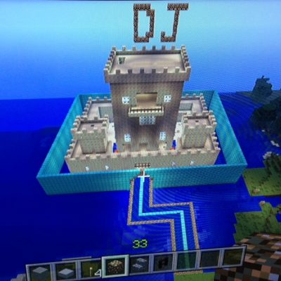 Minecraft – an addiction even parents fall victim to