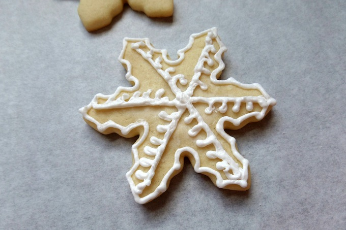 How to make a snowflake cookie