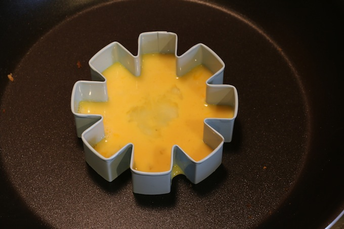 How to make a Snowflake Omelet