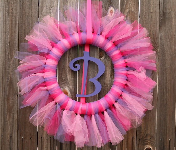 How to make a DIY tulle wreath