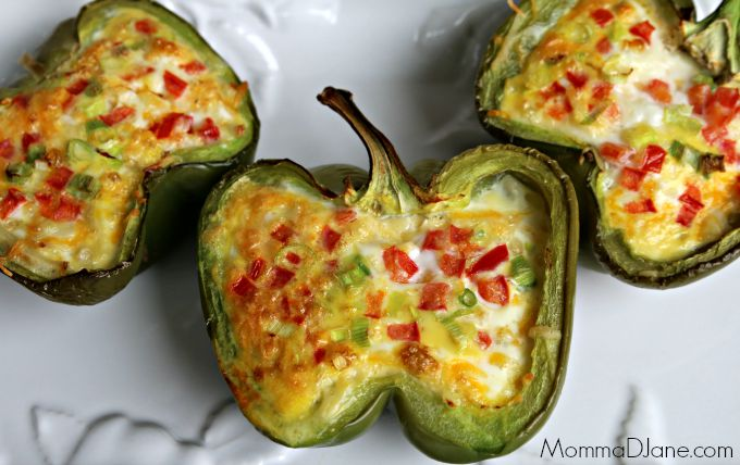 Omelet breakfast stuffed bell peppers