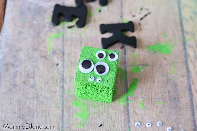 glue-wiggle-eyes