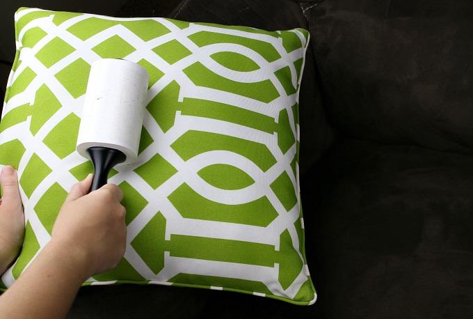 lint-roll-pillow