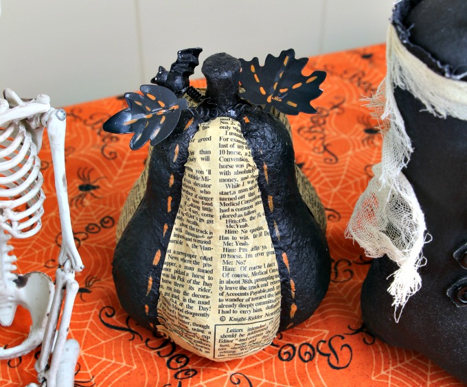 newspaper-pumpkin