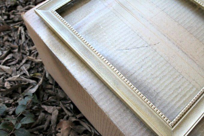 gold-sparkly-frame