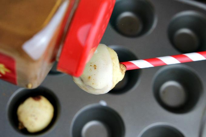 sprinkle-cinnamon-on-top