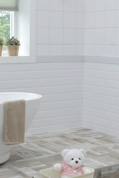 5 Simple Ways to Keep your Bathroom Spotless and Germ-Free