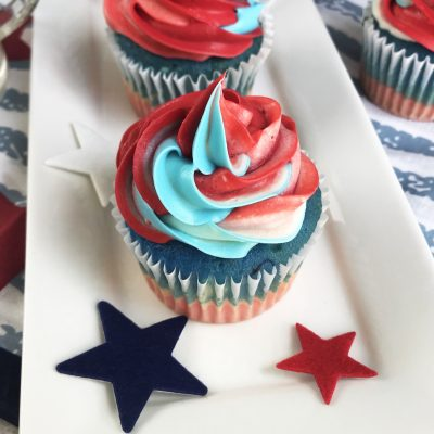 How to Make Superhero Cupcakes with Multicolor Icing