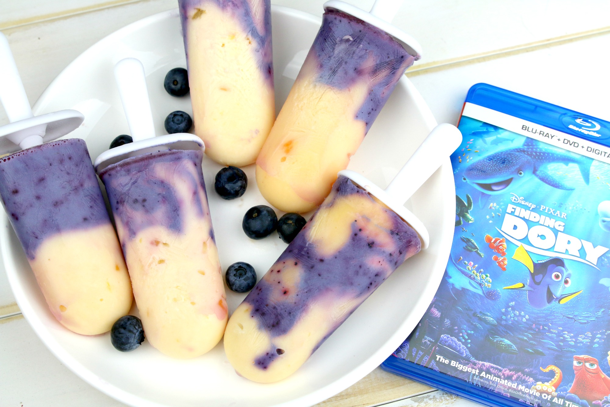 Finding Dory yogurt popsicles