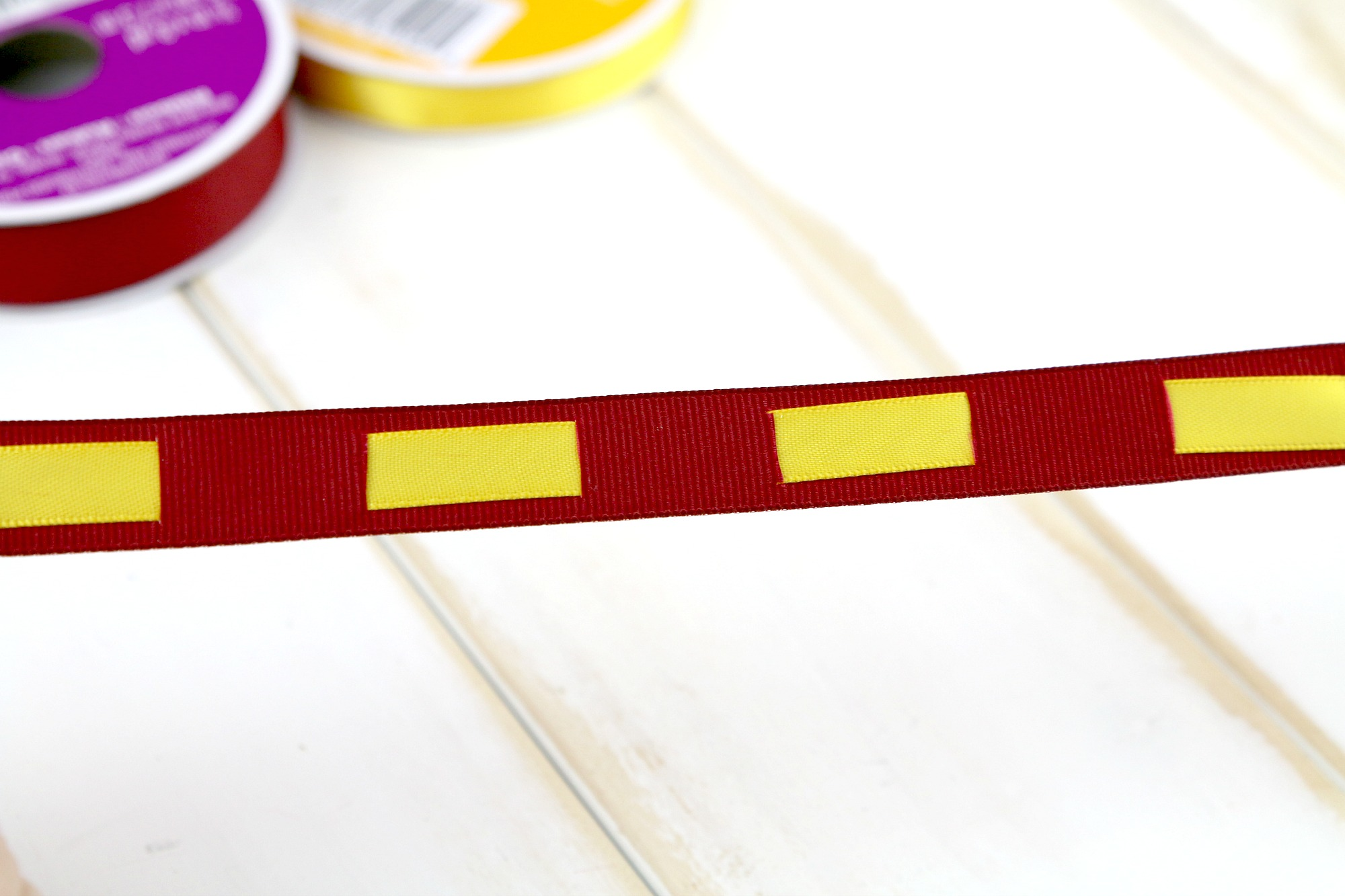 ribbon weaved for a keychain