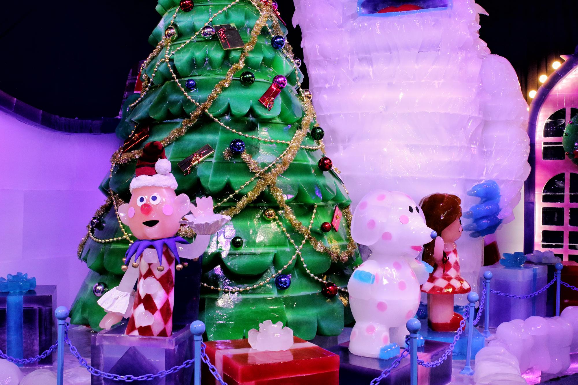 Christmas at Gaylord Texan ice exhibit
