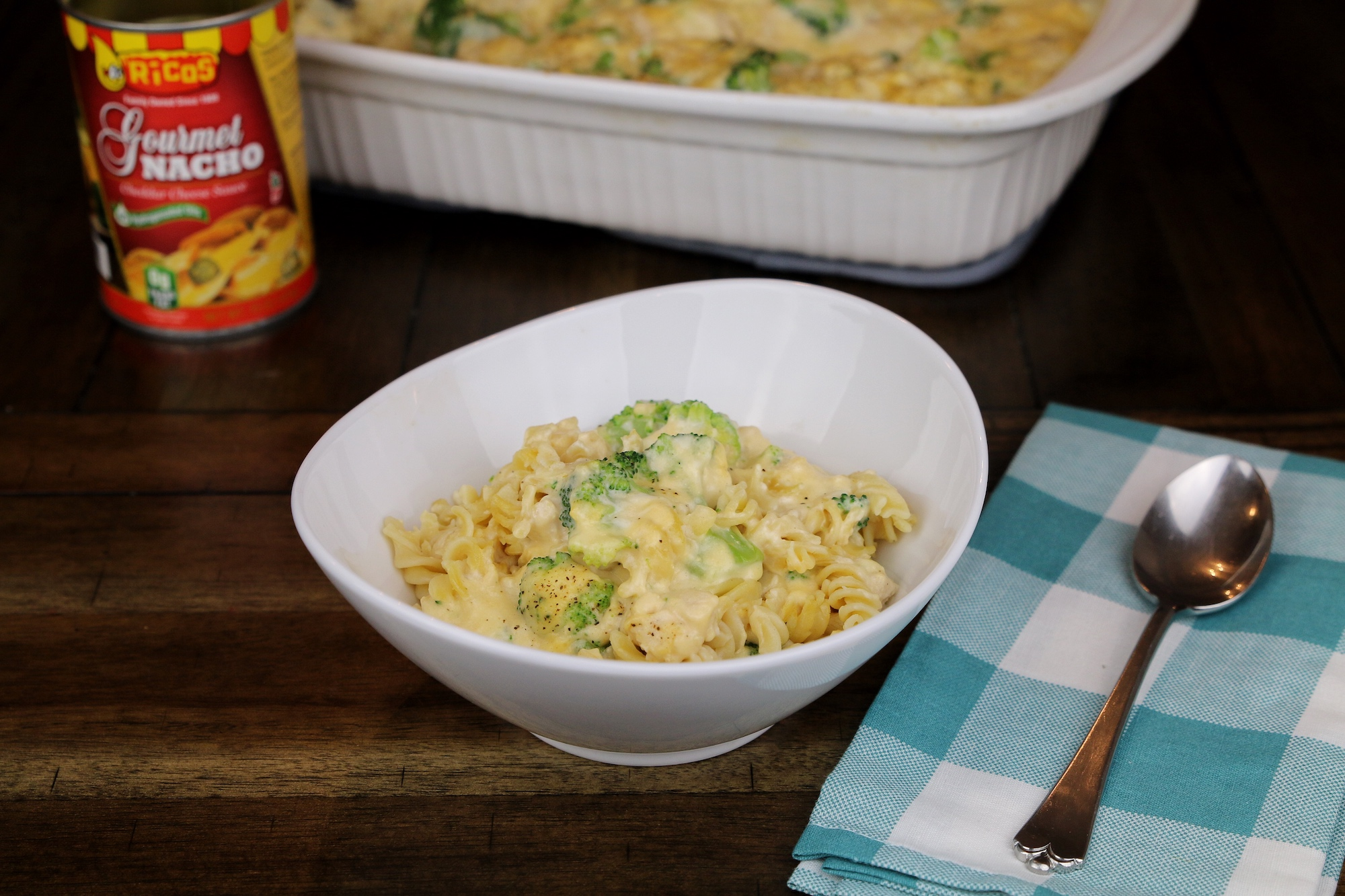 serve homemade macaroni and cheese with chicken and broccoli