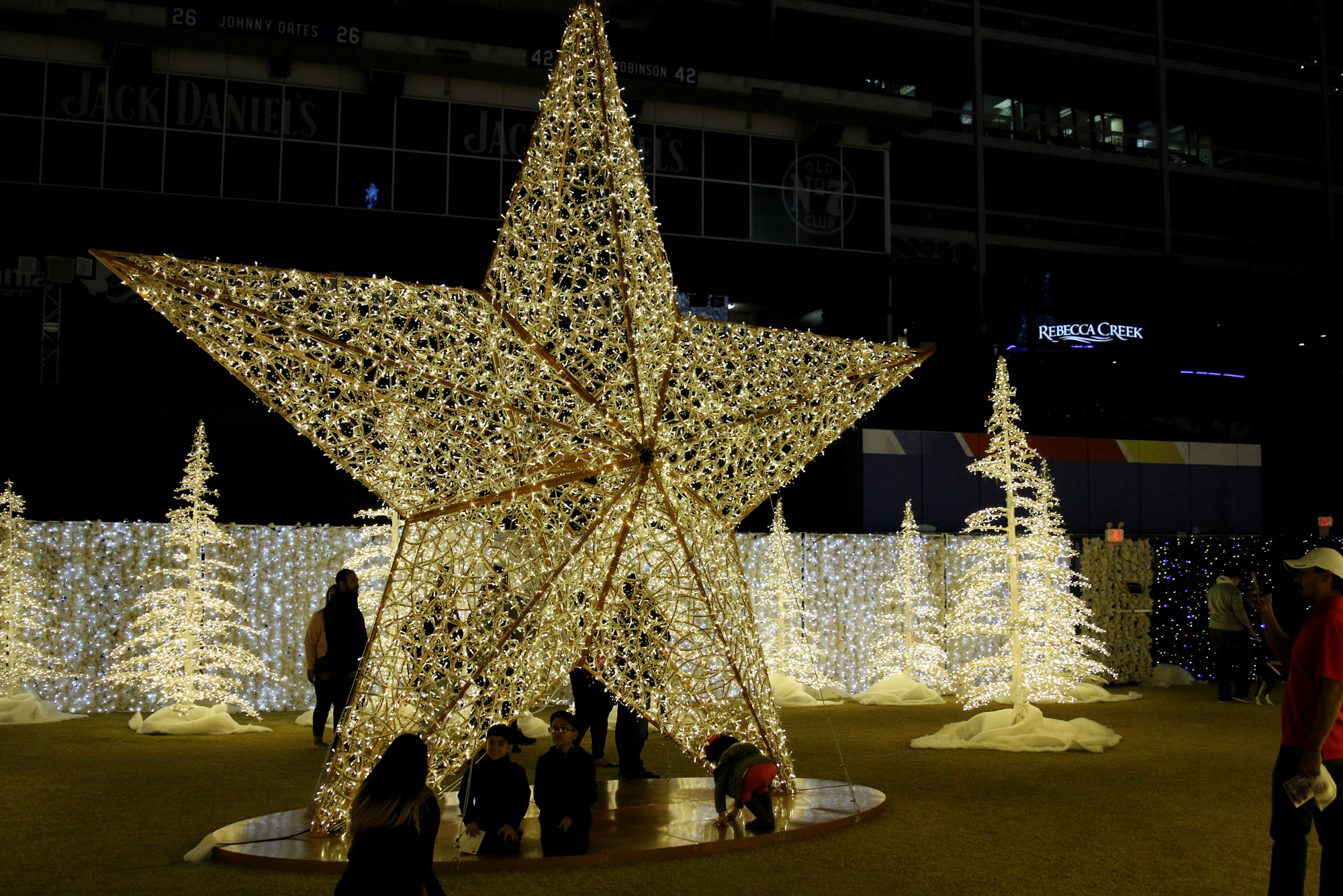 Star Light at Enchant Christmas - Dallas Blogger Review