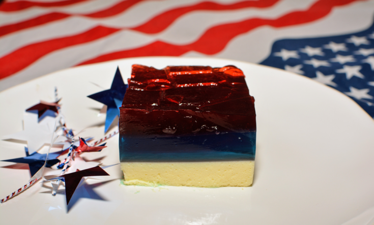 Easy No-bake Red, White, & Blue Jell-O Cake
