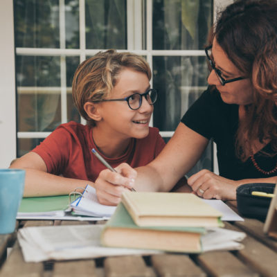 4 Tips On Finding The Perfect Tutor For Middle Schoolers